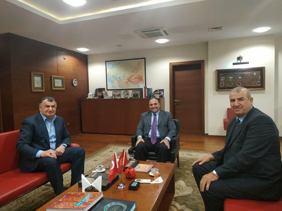 Datüb Başkanı Bişkek büyükelçimizle görüştü